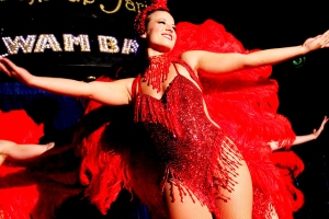 Vegas-show-girls-red-costume